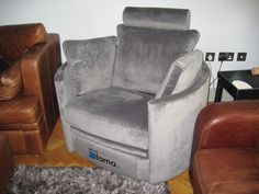 We Used Houles Dandy 72892 U2013 Coloris 9900 (grey Snakeskin Suede Effect) On  This Electric Reclining Chair.