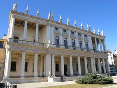 Palazzo Chiericati IB-Vicenza-01 - Andrea Palladio - Wikipedia, the free encyclopedia