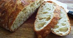 Toto je najjednoduchší recept na domáci chlieb, ktorý máte hotový za menej ako 30 minút a je jednoducho úžasný!