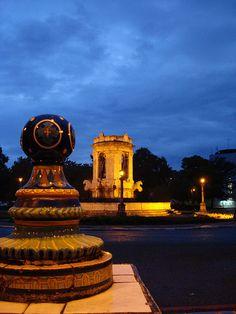 Plaz España; Ciudad de Guatemala by adels, via Flickr