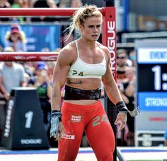 The Crossfit world is ever-evolving and growing more and more popular since the first official Crossfit games in California in Sport . Hollywood, Sara Sigmundsdottir, Crossfit Girls, Jane Foster, Sport Top, Ripped Girls, Butt Workout, Boxing Workout, Crossfit Athletes
