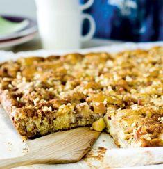 Helppo omenapiirakka   Makea leivonta   Kodin Kuvalehti Sweet Pie, Banana Bread, Cereal, Baking, Breakfast, Desserts, Food, Pastries, Morning Coffee