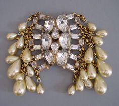 EISENBERG ORIGINAL gold tone clear rhinestone and artificial pearl dress clip,