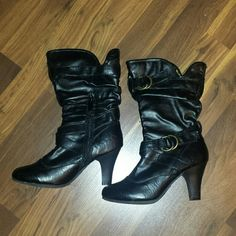Black heeled boots size 6 Good used condition, has a couple of scratches on heel, leopard print inside, side zipper max collection  Shoes Heeled Boots