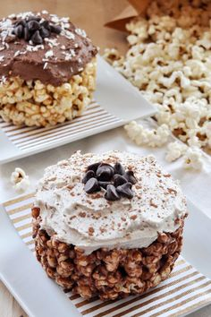 Oscar Party Popcorn Cake, Vegan + Gluten-Free - The Colorful Kitchen Best Vegan Desserts, Vegan Lunch Recipes, Delicious Vegan Recipes, Healthy Dessert Recipes, Gluten Free Desserts, Dairy Free Recipes, Vegan Gluten Free, Easy Desserts, Vegan Sweets