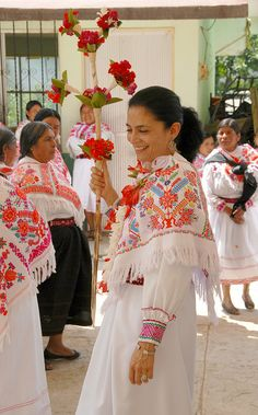 The beautiful Directora (of Artesanias) arrived in traditional dress and joined the xochipitzahuac dance. Mexican Outfit, Mexican Dresses, Traditional Mexican Dress, Traditional Dresses, Mexico Destinations, Hispanic Heritage, Mexican Designs, Shall We Dance, My Heritage
