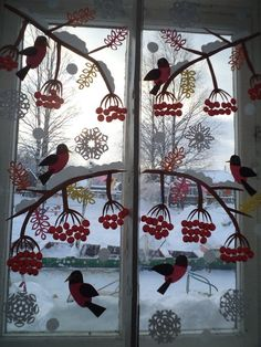 18 Impressive window decoration winter practical designs for every area . - 18 Impressive winter window decorations practical designs for every area … – Design 18 I - Christmas Window Decorations, Christmas Wreaths, Christmas Crafts, Christmas Windows, Winter Art Projects, Navidad Diy, Christmas Paintings, Window Art, Diy Weihnachten