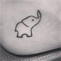 small elephant drawing raised trunk - Google zoeken