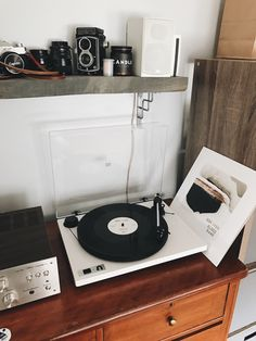 "yourpaldignan: ""And so begins my day off, day-long record listening binge. "" - New Deko Sites My New Room, My Room, Pretty Things, Sweet Home, Record Players, Dream Bedroom, Apartment Living, Turntable, Room Inspiration"