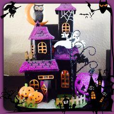 Love my lil haunted house Halloween decor