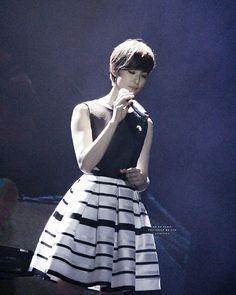 - 分享一張超美的小姐姐跟雅妍說晚安囉❤  Cr:Weibo  #meganlai #賴雅妍