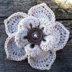 Knitted peruvian flower-Örme Perulu çiçek-Genelde Tığ işi Örgü Çiçekler nasıl yapılır? onları görürüz ancak Bugün size Örgü iğneleri ile Nasıl Çiçek Yapılır? Videolu açıklamalı olarak bunu öğrenece…