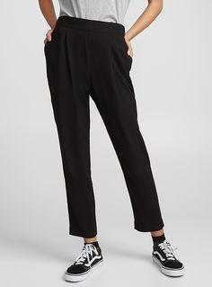 Le pantalon cheville pure rayonne | Twik | Magasinez des Pantalons Habillés Chics pour Femme en ligne | Simons