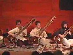 Amazing Sitar Orchestra - Prasanna leads a group of 9 sitars, 1 guitar and tabla tarang at the annual Achannak Performance. Hunter College, October 7, 2007. www.newyorksitar.com. Produced By: Flicker Filmworks. www.flickerfilmworks.com