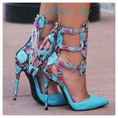 #fashion #womensfashion #dress #makeup #shoes #womenshoes #beauty #pretty #styleshoes #bags #juwellery #chic #elegant