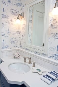 Beach Style Bath Design Ideas, Pictures, Remodel and Decor