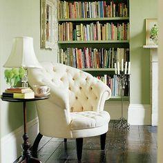Klassische weiße Stuhl im Wohnzimmer Wohnideen Living Ideas Interiors Decoration