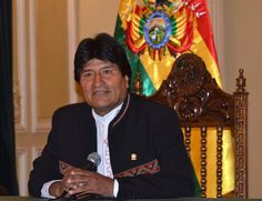 Este es una foto de Evo Morales, el gobierno de Bolivia. Quiero que vayas ver este hombre porque él es muy importante
