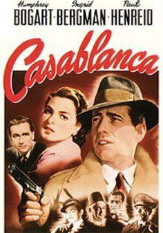 Mientras en Europa la Segunda Guerra Mundial está en todo su apogeo, hasta Casablanca llegan fugitivos de todas partes que aspiran a obtener un pasaporte que les permita viajar hasta Lisboa o América. El lugar donde se concentran estos fugitivos es un café, propiedad de Rick, un americano duro, cínico y aventurero.