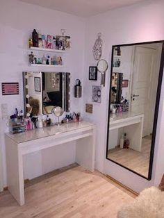Diy makeup vanity black beauty room 31 Ideas Source by ideas makeup Dream Rooms, Dream Bedroom, Bedroom Retreat, Makeup Rooms, Awesome Bedrooms, My New Room, House Rooms, Dorm Room, Bed Room
