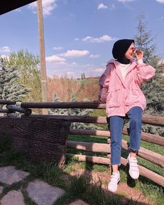 Image may contain: 1 person standing sky cloud shoes child outdoor and nat Tese Tesettür Kaban Modelleri 2020 Stylish Hijab, Casual Hijab Outfit, Hijab Chic, Fashion Model Poses, Fashion Models, Fashion Outfits, Women's Fashion, Fashion Trends, Hijabi Girl