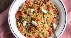 Bulgur wheat salad with feta, chestnuts and pomegranate - Bulgur Salad Orzo Recipes, Vegetarian Recipes, Cooking Recipes, Healthy Recipes, Ww Recipes, Healthy Meals, Healthy Food, Dinner Recipes, Spinach Stuffed Mushrooms