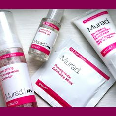 Need to control oily/shiny skin? Then #Murad #Vitalic #Pore #Perfection #Starter Kit is spot on for you! Murad has developed a series, to clear pores and support radiant skin.