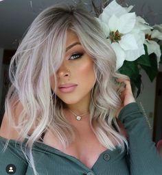 Dyed Blonde Hair, Blonde Hair Looks, Platinum Blonde Hair, Hair Dye, Silver Blonde, White Blonde, Silver Hair, Bright Blonde, Medium Hair Styles