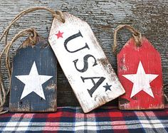 """In honor of Memorial Day, here are a few patriotic decor ideas! """"Land of the Free because of the Brave!"""" We hope y'all have fun weekend plans to celebrate the honor of living in this great fr… 4th July Crafts, Fourth Of July Decor, July 4th, Memorial Day Decorations, 4th Of July Decorations, Americana Crafts, Patriotic Crafts, Patriotic Party, Summer Crafts"""