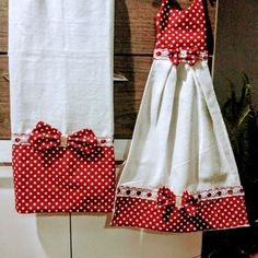 Kitchen Hand Towels, Dish Towels, Sewing Art, Love Sewing, Towel Dress, Applique Stitches, Christmas Towels, Iron On Fabric, Small Blankets
