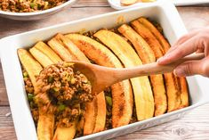 Pastelón is a classic Puerto Rican dish made with layers of thinly-sliced plantains, ground beef, and cheese! Think of it as a Puerto Rican version of lasagna. It's the perfect casserole to make for a potluck or family gathering. Puerto Rican Lasagna, Puerto Rican Dishes, Puerto Rican Recipes, Cuban Cuisine, Thing 1, Puerto Ricans, How To Dry Oregano, International Recipes, Casserole Dishes
