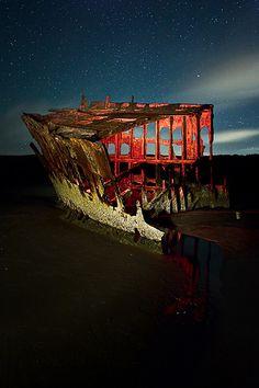 Peter Iredale shipwreck by LukeOlsen, via Flickr (near Warrenton, OR)