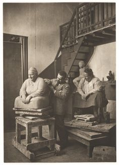 Man Ray, 1922, Gertrude Stein posing for Jo Davidson