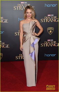 Joins Rachel McAdams & Tilda Swinton at 'Doctor Strange' Premiere in LA!: Photo Rachel McAdams turns heads as she arrives on the red carpet at the premiere of her new film Doctor Strange on Thursday night (October in Los Angeles. Couture Dresses, Bridal Dresses, Fashion Dresses, Prom Dresses, Formal Dresses, Beautiful Gowns, Elegant Dresses, Couture Fashion, Dress To Impress