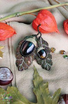 """Броши ручной работы. Ярмарка Мастеров - ручная работа. Купить брошь """"Жёлудь"""". Handmade. Брошь осенняя, брошь жулудь заказать Bead Jewellery, Seed Bead Jewelry, Jewelry Art, Beaded Jewelry, Beaded Bracelets, Wire Jewelry, Bead Embroidery Jewelry, Fabric Jewelry, Beaded Embroidery"""