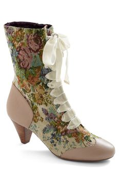 Oh my gosh. If I had a few extra Benjamins lying around for a pair of shoes...