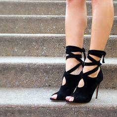 Black peep toe heels by British footwear designer Paul Andrew Pump It Up, Paul Andrew, Shoe Boots, Women's Shoes, Stiletto Heels, Pumps, Glove, Peep Toe, British