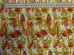 Fuglehuse på Patchworkstof - gul/orange - er det flot lys patchworkstof med søde små fugle huse i gule og orange farver