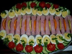 Egg Decorating, Sushi, Bacon, Food And Drink, Lunch, Meals, Cookies, Dinner, Ethnic Recipes