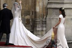 wedding coverage - kate and williams - 2011 wedding - Kate Middleton wedding dress. V Neck Wedding Dress, Amazing Wedding Dress, Wedding Dress Pictures, Wedding Dresses, Gown Wedding, Royal Wedding Gowns, Wedding Photos, Royal Wedding 2011, Royal Weddings