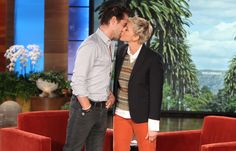 Ellen kisses Colin Farrell! Love you Ellen #pickmeellen #12daysofgiveaway