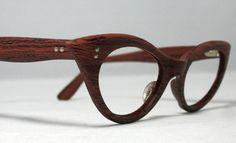love this cat eye glasses