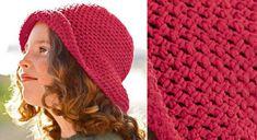 Un chapeau pour fillette au crochetA porter sous le soleil des vacances, un petit chapeau crocheté dans un fil coton et acrylique. Le chouchou des petites filles ! A réaliser au crochet.