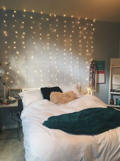 14 Fabulous Rustic Chic Bedroom Design and Decor Ideas to Make Your Space Special - The Trending House Room Ideas Bedroom, Home Decor Bedroom, Bedroom Bed, Gray Room Decor, Cute Bedroom Ideas For Teens, Winter Bedroom Decor, Bedroom Ideas For Small Rooms Cozy, Bedroom Brown, Fall Bedroom