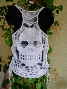 Irish lace, crochet, crochet patterns, clothing and decorations for the house, crocheted. Crochet Cross, Filet Crochet, Hand Crochet, Crochet Stitches, Crochet Baby, Knit Crochet, Crochet Tank Tops, Crochet Summer Tops, Crochet Blouse