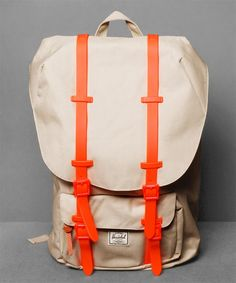 Neu im Shop: Herschel Little America Backpack in Khaki - http://www.numelo.com/herschel-little-america-backpack-p-24512776.html #herschel #littleamericabackpack #taschen #numelo