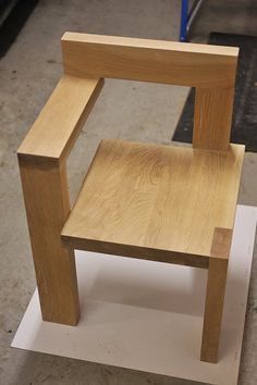 Adirondack chair, reclaimed wood DIY - Make this beautiful Adirondack Chair yourself! See this post for the Furniture Plans, instructions and supply list to build. Woodworking Furniture, Pallet Furniture, Furniture Projects, Woodworking Projects, Furniture Movers, Street Furniture, Modular Furniture, Furniture Showroom, Furniture Removal