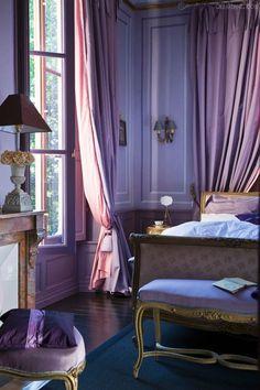 Décoration intérieure / Chambre bedroom / Classique Louis XV /Violet, prune, améthyste, aubergine, parme, myrtille, lavande, mauve / Idée inspiration / Chic luxe élégant