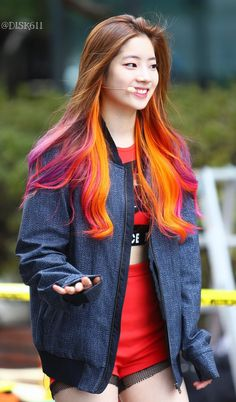 Dahyun of TWICE~ She's so beautiful and she rocks this hair color.