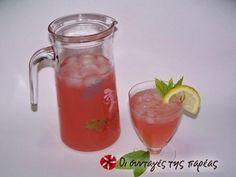 Υπέροχη φραουλο-λεμονάδα! Smoothie Drinks, Smoothies, Cocktail Drinks, Cocktails, Strawberry Lemonade, Milkshake, Food And Drink, Alcohol, Cooking Recipes